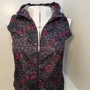 2/$40 (S) New Lightweight Rain Resistant Vest